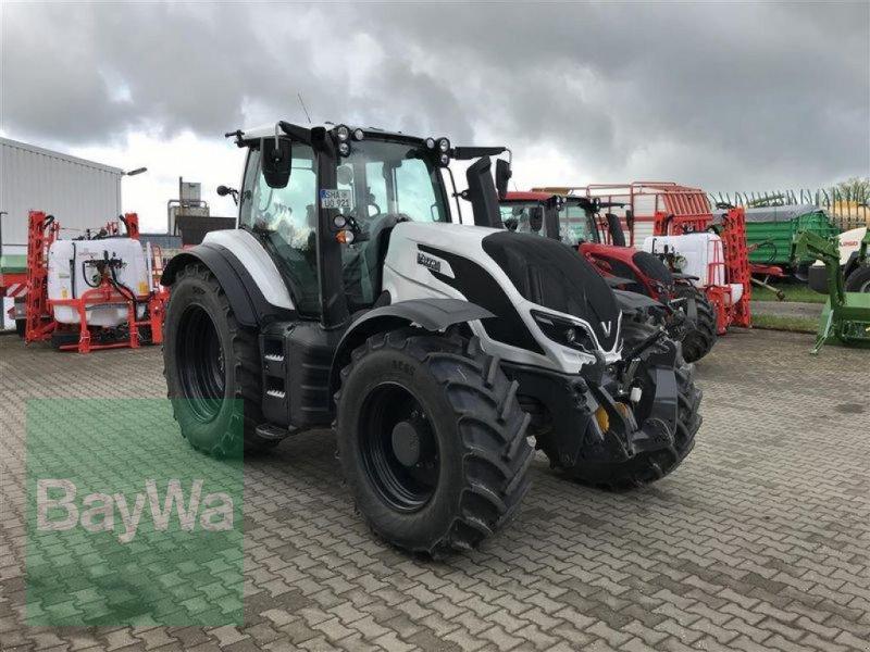 Traktor του τύπου Valtra T214A MR19 VALTRA VORFÜHR 2019, Gebrauchtmaschine σε Blaufelden (Φωτογραφία 2)