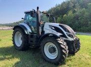 Traktor typu Valtra T214D, Gebrauchtmaschine w Schaffhausen