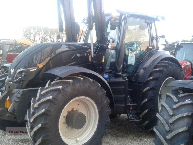 Traktor des Typs Valtra T234 mit Frontlader, Neumaschine in Mainburg/Wambach (Bild 9)