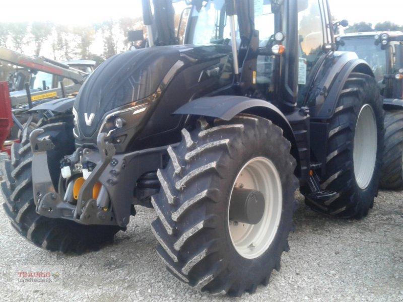 Traktor des Typs Valtra T234 mit Frontlader, Neumaschine in Mainburg/Wambach (Bild 11)