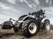 Traktor of the type Valtra T234A, Gebrauchtmaschine in Oxfordshire