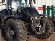 Traktor типа Valtra T234A, Gebrauchtmaschine в Oxfordshire