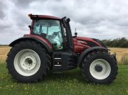 Traktor typu Valtra T234D SmartTouch m. Frontlift og GPS, Gebrauchtmaschine w Ringkøbing