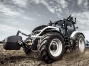 Traktor of the type Valtra T254V, Gebrauchtmaschine in Oxfordshire