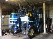 Traubenvollernter typu New Holland Machine à vendanger SB 54 New Holland, Gebrauchtmaschine w roynac