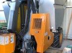 Traubenvollernter des Typs Pellenc 8035 gezogen in Niederkirchen
