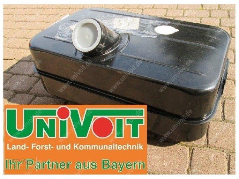 Unimog des Typs Unimog Unimog U411 Kraftstofftank 60 Liter, Neumaschine in Warmensteinach (Bild 1)