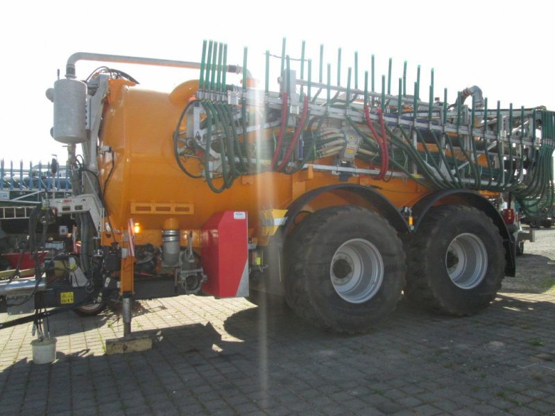 Vakuumfaß des Typs Veenhuis Integral 20 24m Schleppschlauch 20000 Vakuum, Gebrauchtmaschine in Wülfershausen (Bild 2)