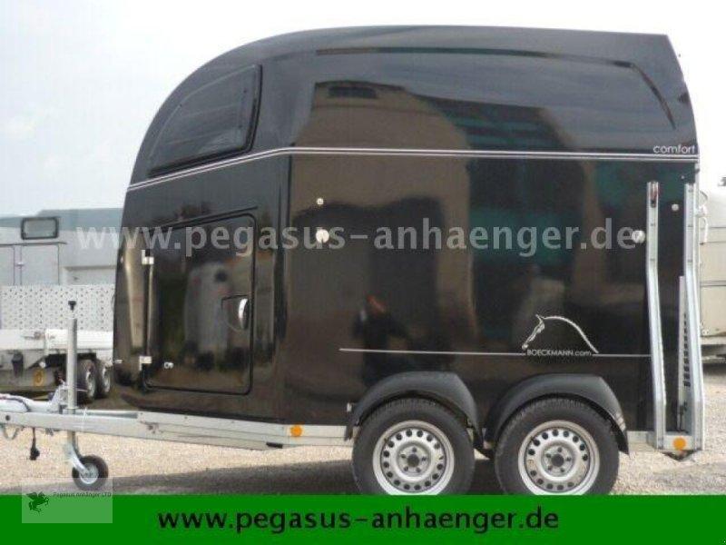 Viehanhänger des Typs Böckmann Comfort Sattelkammer ALUBODEN neues Modell 2020, Neumaschine in Gevelsberg (Bild 3)