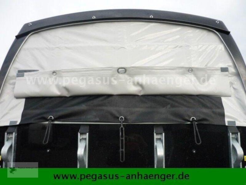 Viehanhänger des Typs Böckmann Comfort Sattelkammer ALUBODEN neues Modell 2020, Neumaschine in Gevelsberg (Bild 10)