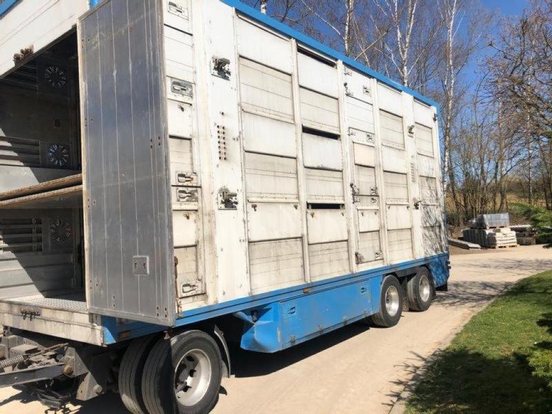 Viehanhänger tip Finkl 3 Achs 3Stock, Gebrauchtmaschine in Tiefensall (Poză 1)