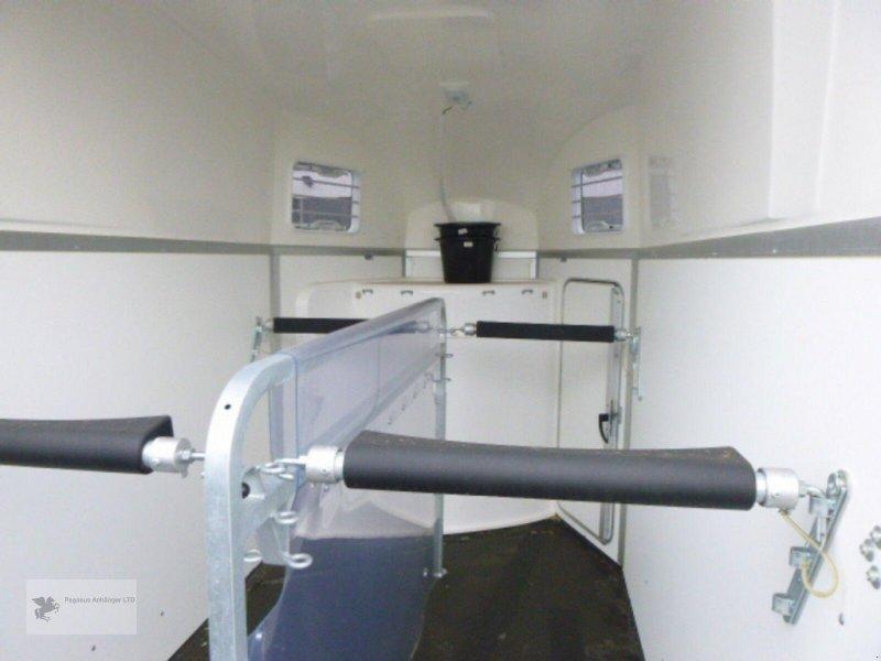 Viehanhänger des Typs Humbaur *BALIOS AERO* mit Sattelkammerpaket, NEU 2020, Neumaschine in Gevelsberg (Bild 9)
