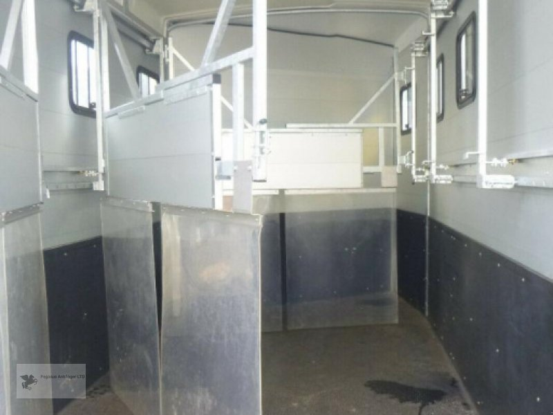 Viehanhänger des Typs Humbaur Notos Tria S 3-Pferdeanhänger 3,5to Sattelkammer, Gebrauchtmaschine in Gevelsberg (Bild 7)