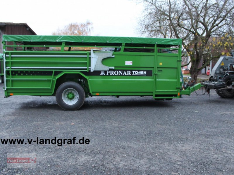 Viehanhänger of the type PRONAR T 046 H, Neumaschine in Ostheim/Rhön (Picture 1)