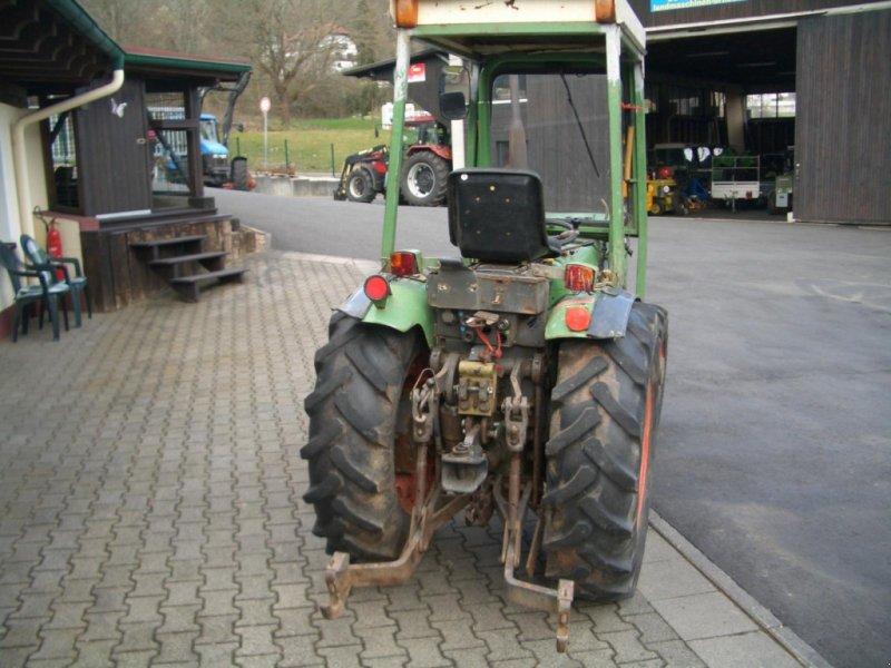 Weinbautraktor des Typs Fendt 200 VA II wie 203 VA Schmalspurtraktor - Servo - Kabine - schon mit elektrischer Alradschaltung !!!, Gebrauchtmaschine in Niedernhausen (Bild 4)
