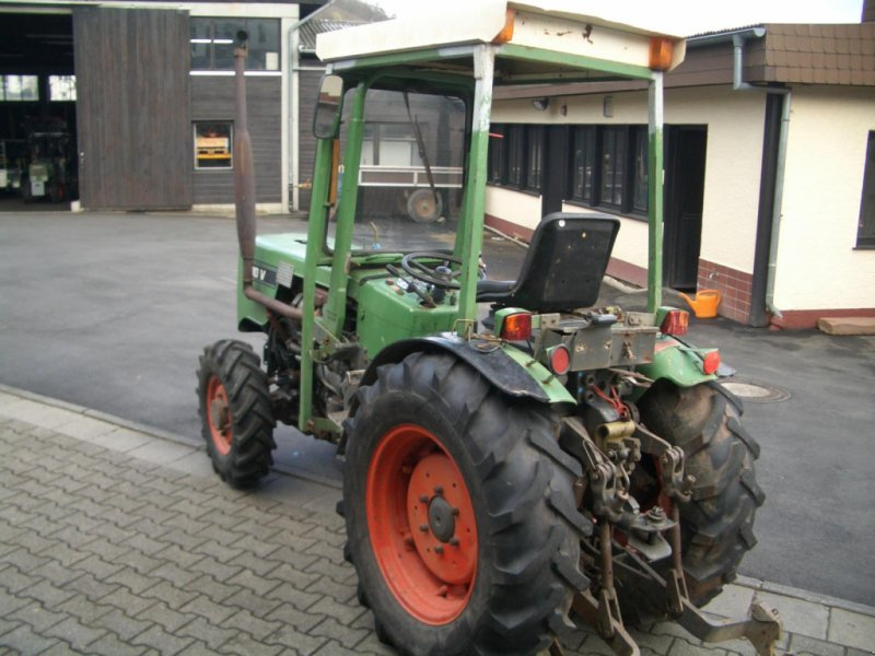 Weinbautraktor des Typs Fendt 200 VA II wie 203 VA Schmalspurtraktor - Servo - Kabine - schon mit elektrischer Alradschaltung !!!, Gebrauchtmaschine in Niedernhausen (Bild 5)
