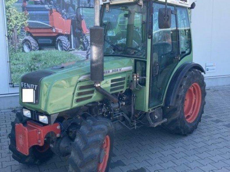 Weinbautraktor des Typs Fendt 209V, Gebrauchtmaschine in Gundersheim (Bild 6)