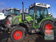 Fendt 210 v Vario Traktor pro vinohrad