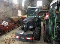 Fendt 211V Traktor pro vinohrad