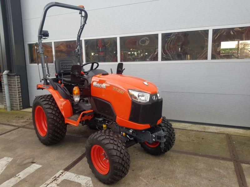 Weinbautraktor типа Kubota B2261 compact tractor hydrostaat, Gebrauchtmaschine в Zevenaar (Фотография 1)