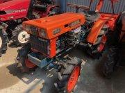 Kubota B6000 tractor pentru viticultură