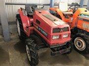 Mitsubishi Mt20 tractor pentru viticultură