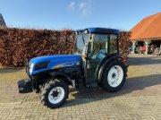 New Holland T4050va Трактор для виноградарства