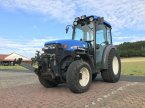 Weinbautraktor des Typs New Holland TN55V in Steinau