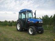 New Holland TNV75A Weinbautraktor
