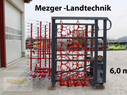 Wiesenegge des Typs Meztec WK6 Wiesenschleppe Kombi mit Striegel, Neumaschine in Ditzingen (Bild 1)