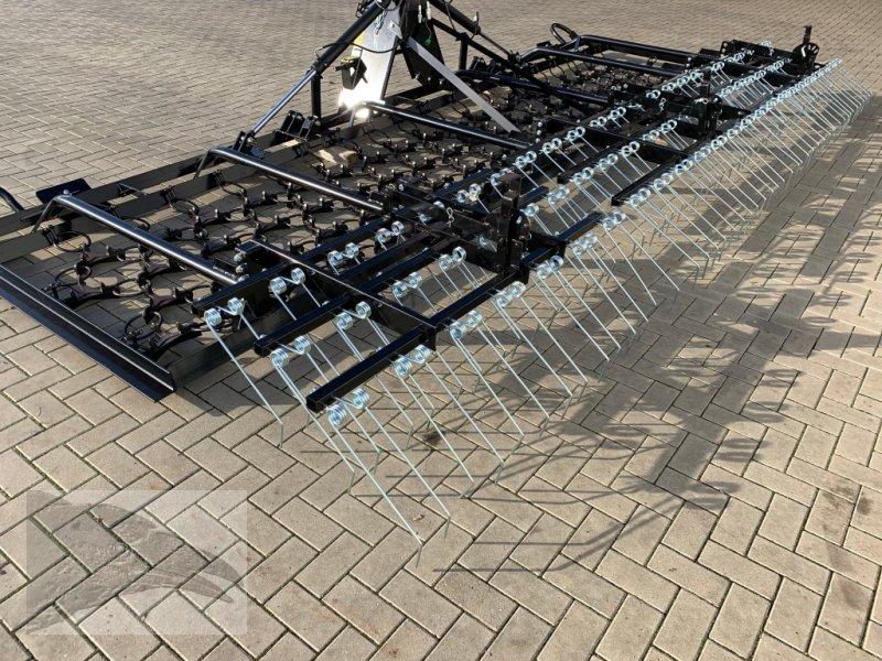 Wiesenegge типа VORATECK Wiesenschleppe mit Striegel 6m Sondermodell, Neumaschine в Hermannsburg (Фотография 1)