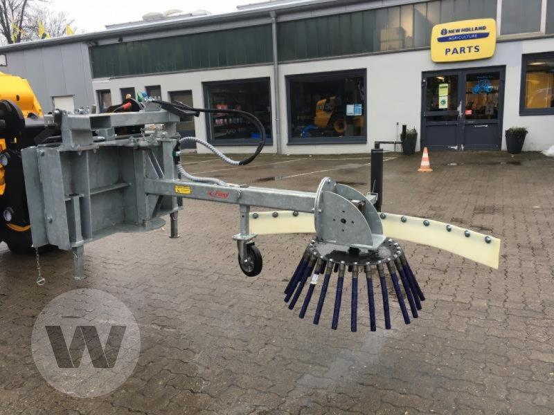 Wildkrautbürste des Typs Fliegl WILDKRAUTBÜRSTE, Neumaschine in Husum (Bild 1)