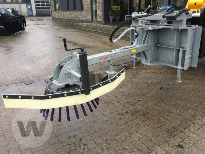 Wildkrautbürste des Typs Fliegl WILDKRAUTBÜRSTE, Neumaschine in Husum (Bild 2)