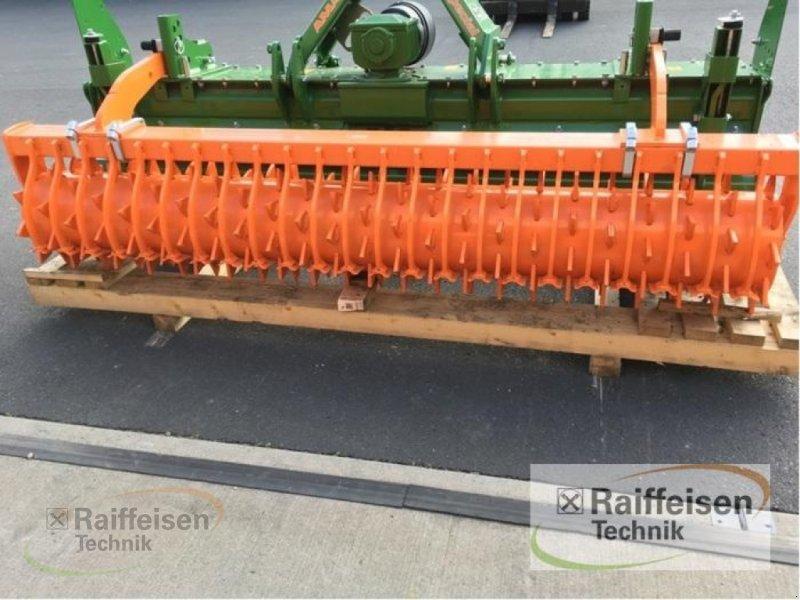 zapfwellenbetriebenes Gerät des Typs Amazone KE 3000 Special, Neumaschine in Frankenberg/Eder (Bild 4)