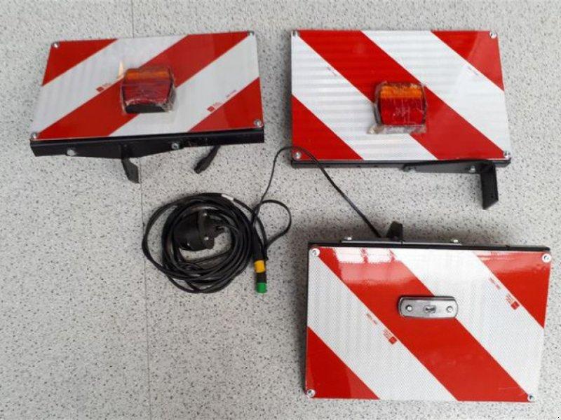 Zubehör Bestell-/Pflegemaschinen des Typs Tehnos WARNTAFELN & LED-BELEUCHTUNG, Neumaschine in Moos-Langenisarhofen (Bild 1)