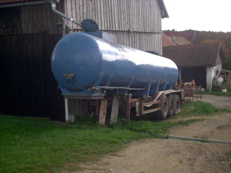 Zubringerfaß des Typs Kässbohrer Auflieger Silo Tankanhänger Güllezubringer, Gebrauchtmaschine in Schwandorf (Bild 2)
