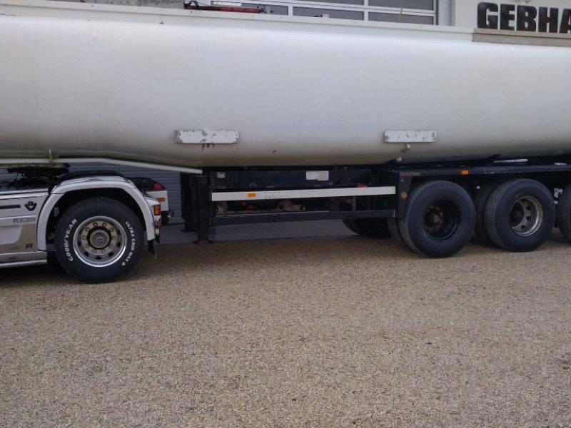 Zubringerfaß типа OMT Güllezubringer mit Lenkachse Gülle Auflieger Transportfass Tankauflieger, Gebrauchtmaschine в Großschönbrunn (Фотография 1)