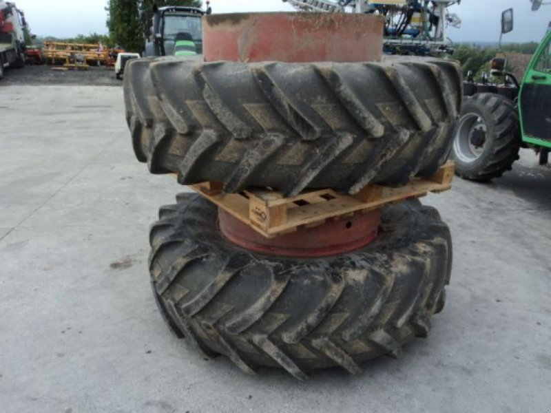 Zwillingsrad типа Michelin JUMELAGE 20.8R38, Gebrauchtmaschine в MOULLE (Фотография 1)