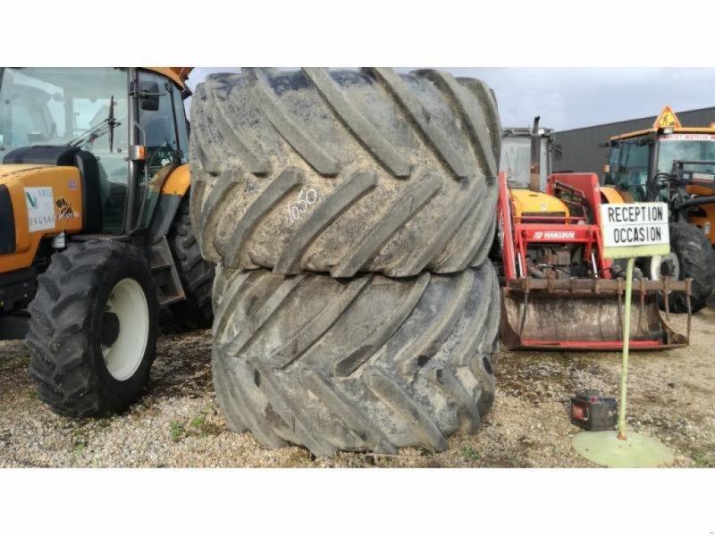 Zwillingsrad типа Michelin ROUES 1050/50R32, Gebrauchtmaschine в NEUVILLE EN POITOU (Фотография 1)
