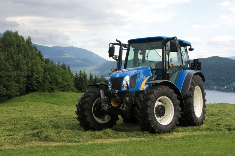 traktor new holland t 5050 gr nland. Black Bedroom Furniture Sets. Home Design Ideas