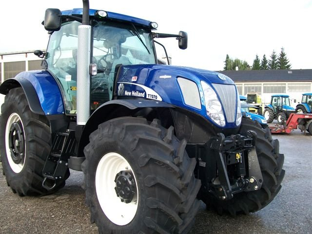 traktor new holland t 7070 autocommand. Black Bedroom Furniture Sets. Home Design Ideas