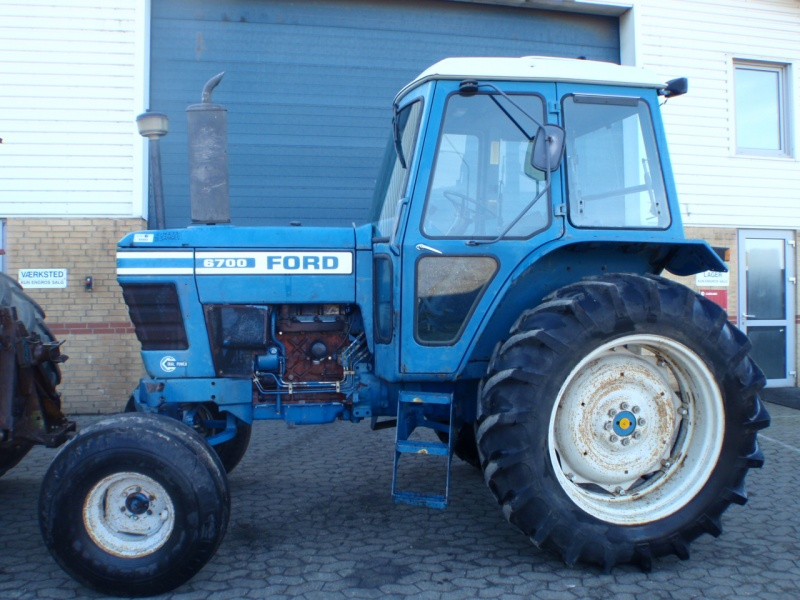 6700 Ford Tractor : Tractor ford technikboerse