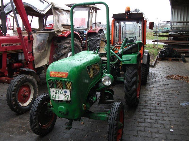 traktor holder b12. Black Bedroom Furniture Sets. Home Design Ideas