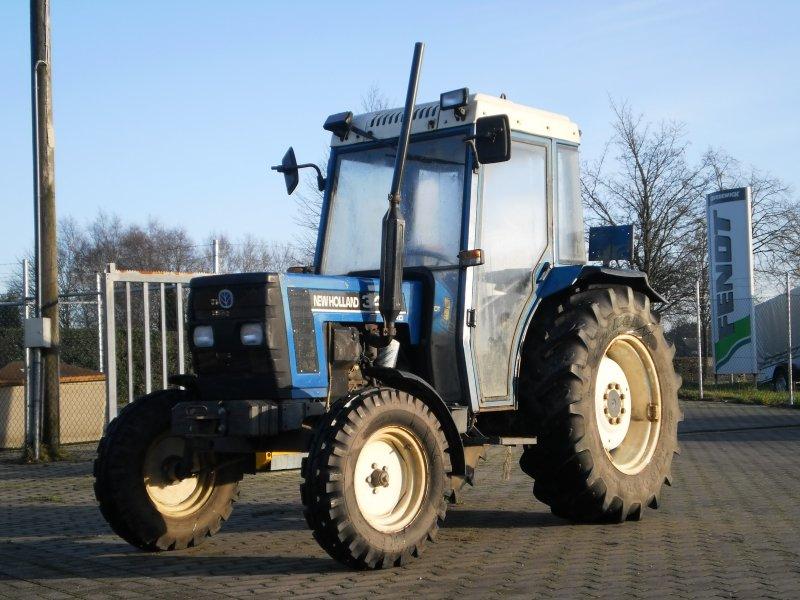 traktor new holland 3435. Black Bedroom Furniture Sets. Home Design Ideas