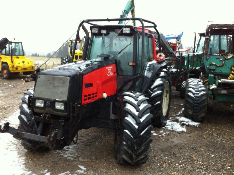 tracteur forestier valtra 8400