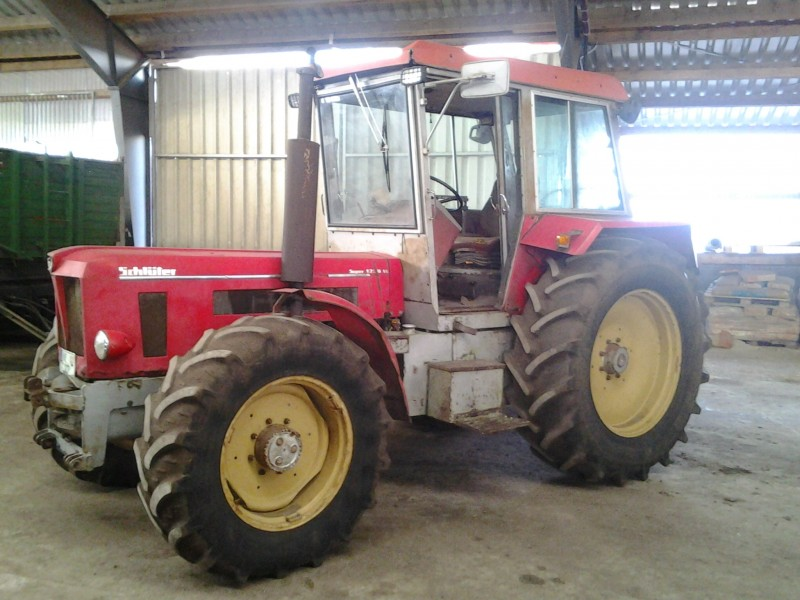 traktor schl ter super 1250. Black Bedroom Furniture Sets. Home Design Ideas