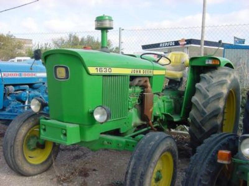 John Deere 1630 : John deere tractor caspe zaragoza