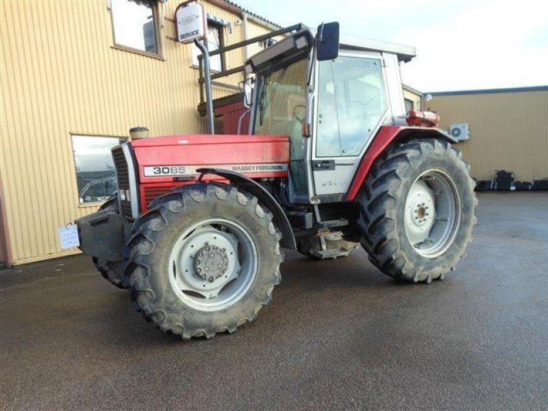 Traktor of the type Massey Ferguson 3085 in Sollebrunn (Picture 1)