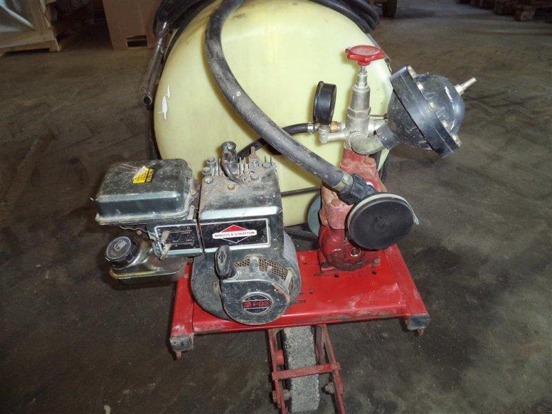Hand Sprayer Motors : Hardi gårdspladssprøjte tr m benzin motor vineyard spray