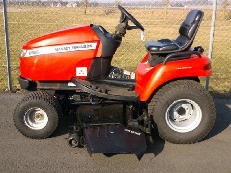 massey ferguson 2924d tracteur tondeuse. Black Bedroom Furniture Sets. Home Design Ideas